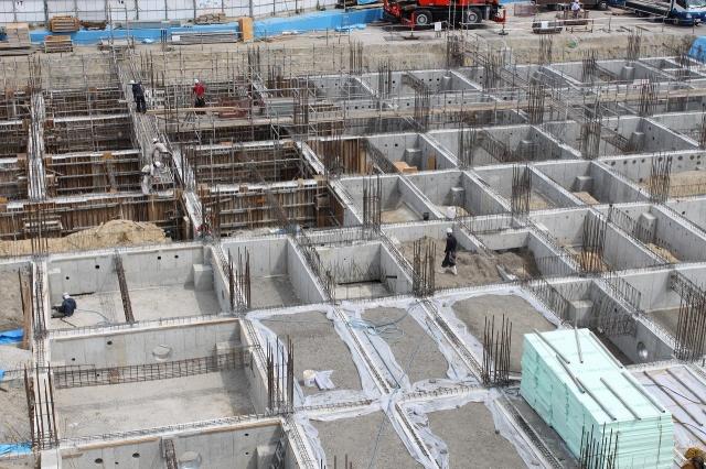 基礎工事もほぼ終わり埋戻しです